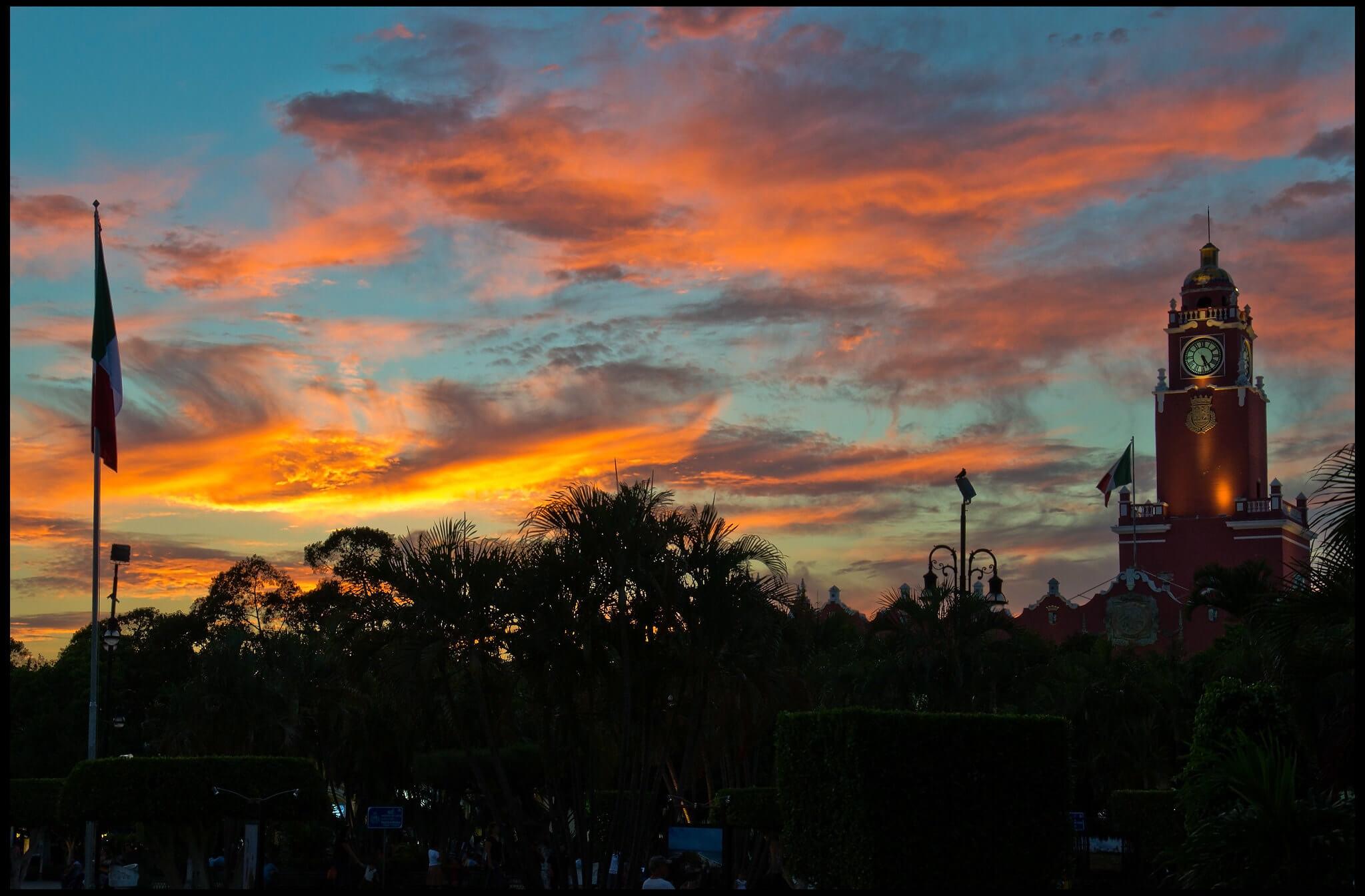 sunset in merida mexico at plaza grande