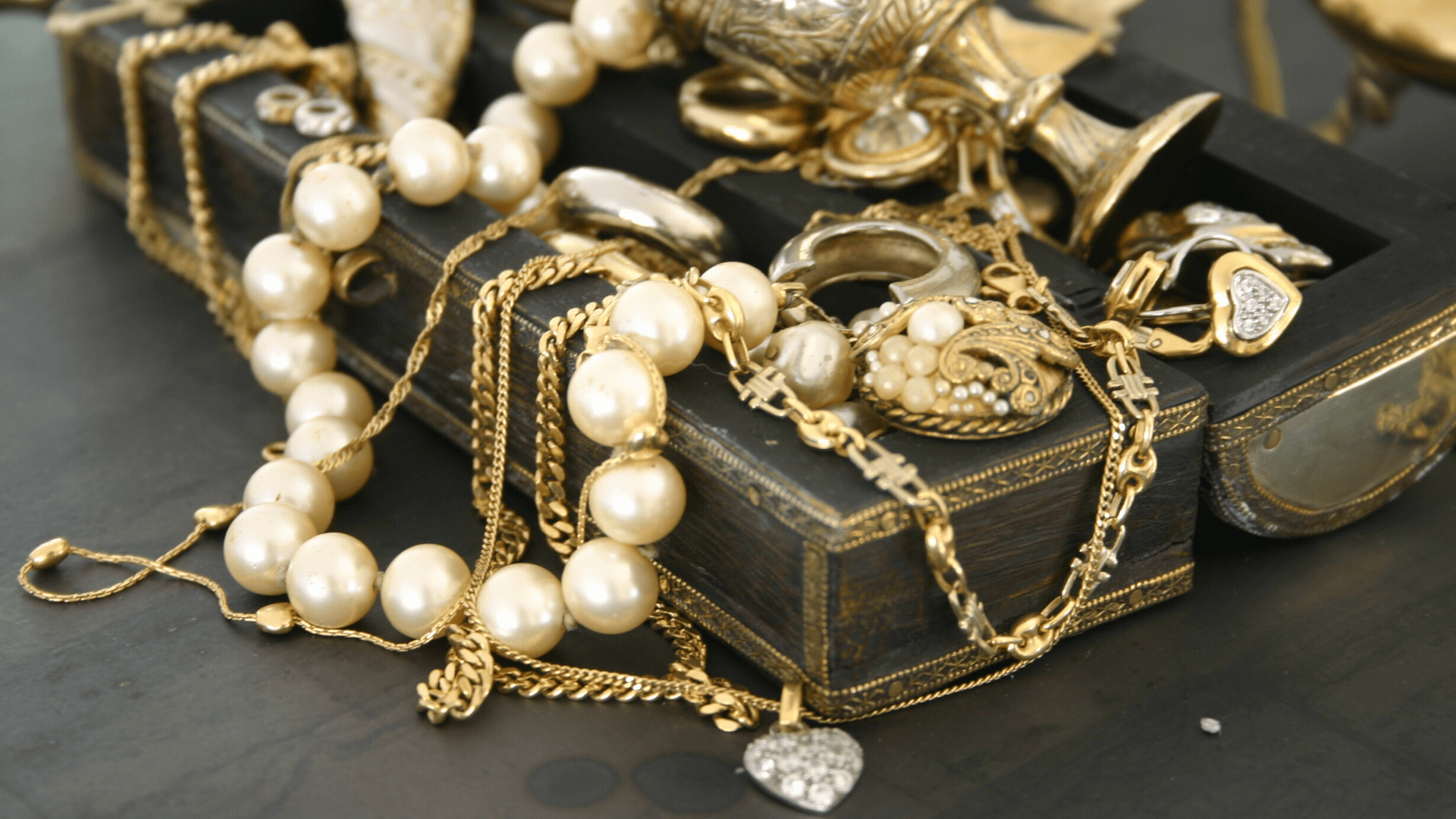 Jewelry Care in Mérida: 8 Easy Tips