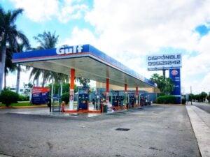 How do I pump gas in Mérida?