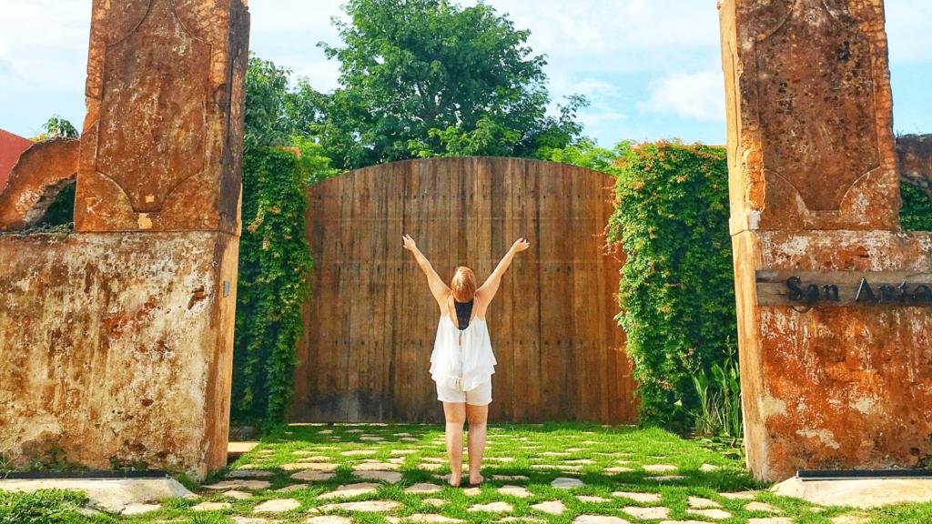 Amy Jones, Mérida Experiences Host